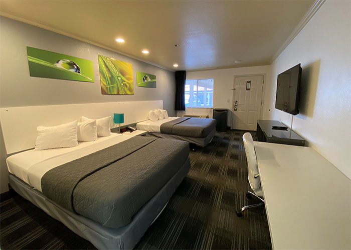 RELAX AT OUR MODERNLY DECORATED HOTEL AND EXPLORE SAN FRANCISCO AND DALY CITY